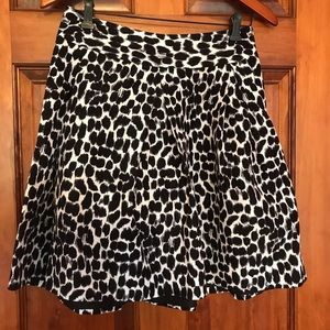 Kate Spade size 6 skirt black and white
